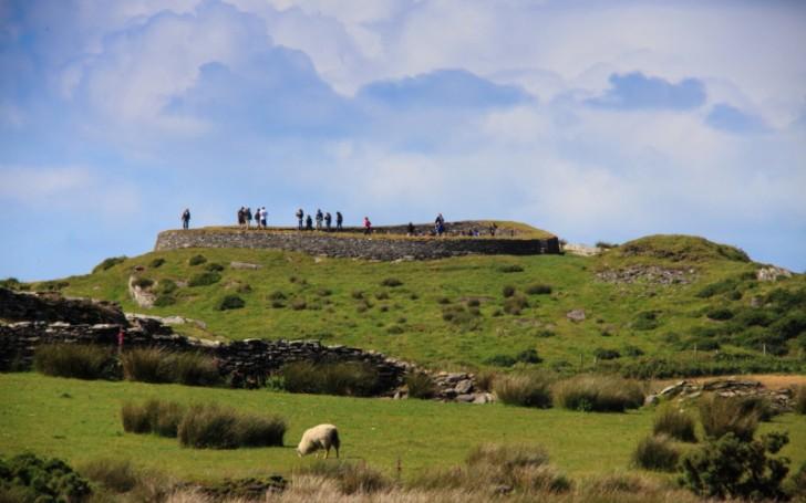 Cahergal and Leacanabuaile Stone Forts